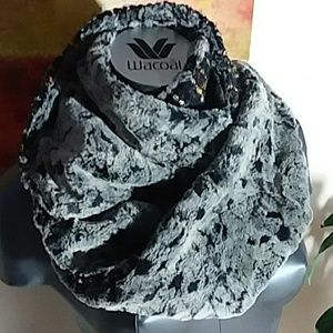 ANTHRO MADISON 88 reversible infinity scarf